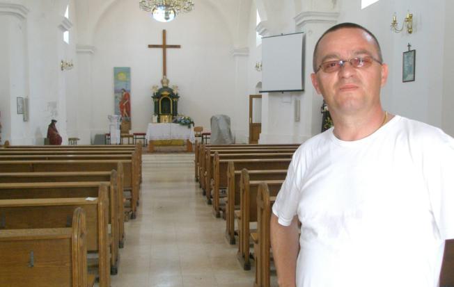 Photo of Vlč. Zoran Vukoja razriješen je službe župnika u Sarvašu