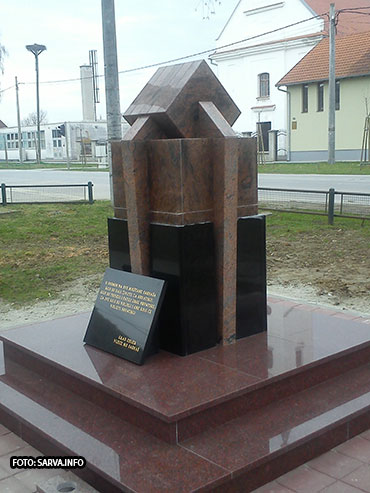 Photo of OTKRIVEN SPOMENIK STRADALNICIMA DOMOVINSKOG RATA U SARVAŠU