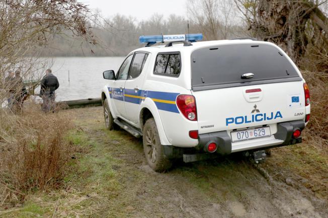 Photo of Unatoč naporima liječnika, pothlađeni ribočuvar umro je u KBC-u Osijek