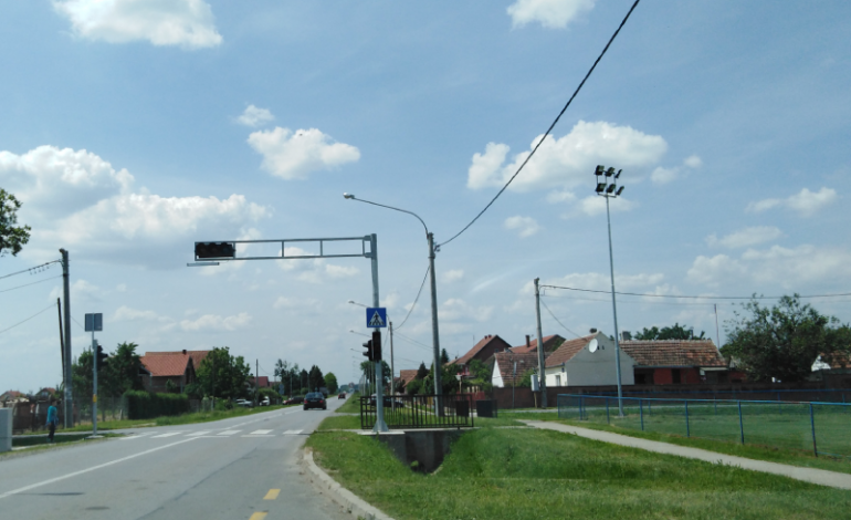 SARVAŠ:Novi semafor uz igralište